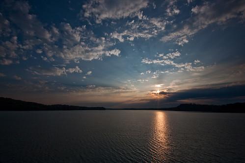 morning lake chattanooga sunrise tennessee reservoir tva tennesseeriver tennesseevalleyauthority chickamaugalake