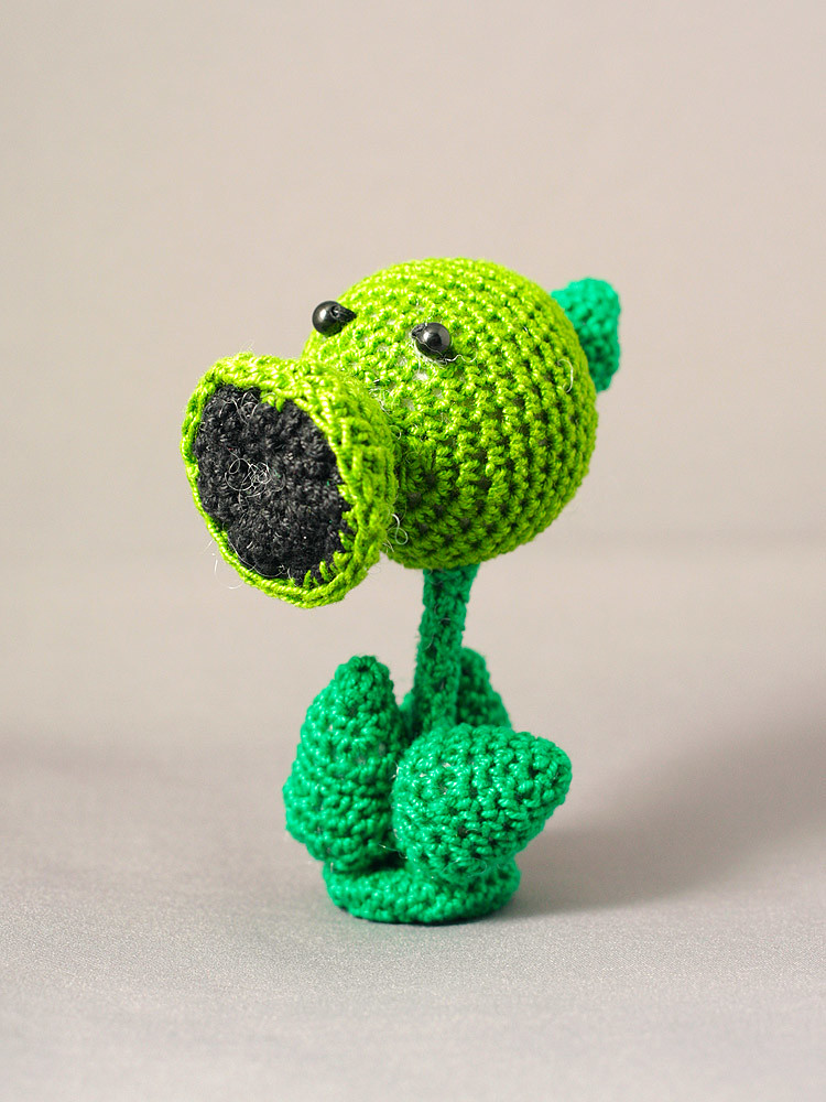 Plants versus Zombies: Pea Shooter | Pea Shooter crochet dol