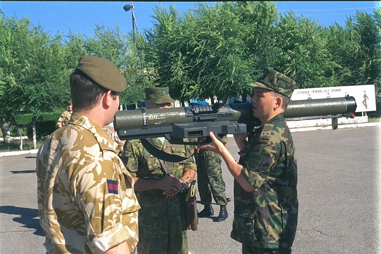 British LAW 80 Demonstrated to Kazakh Airborne Soldiers Kazakhstan September 2003