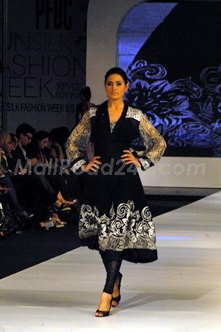 Pakistani Fashion Designers Show – Karachi Nov 2010 - More