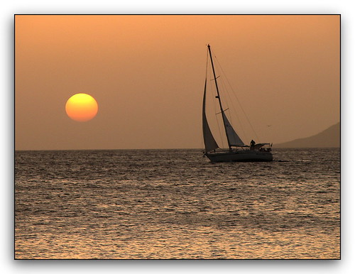sunset sailboat sailing bonaire