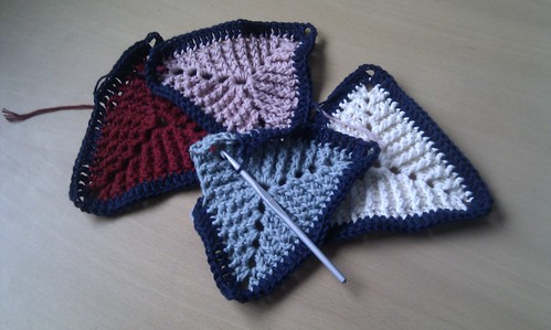 Triangle blanket | by schjerning