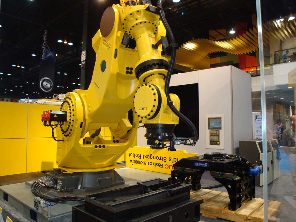 The Mighty FANUC M-2000iA - a photo on Flickriver