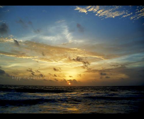 sunset sun beach water clouds evening waves kerala kochi southindia platinumpeaceaward