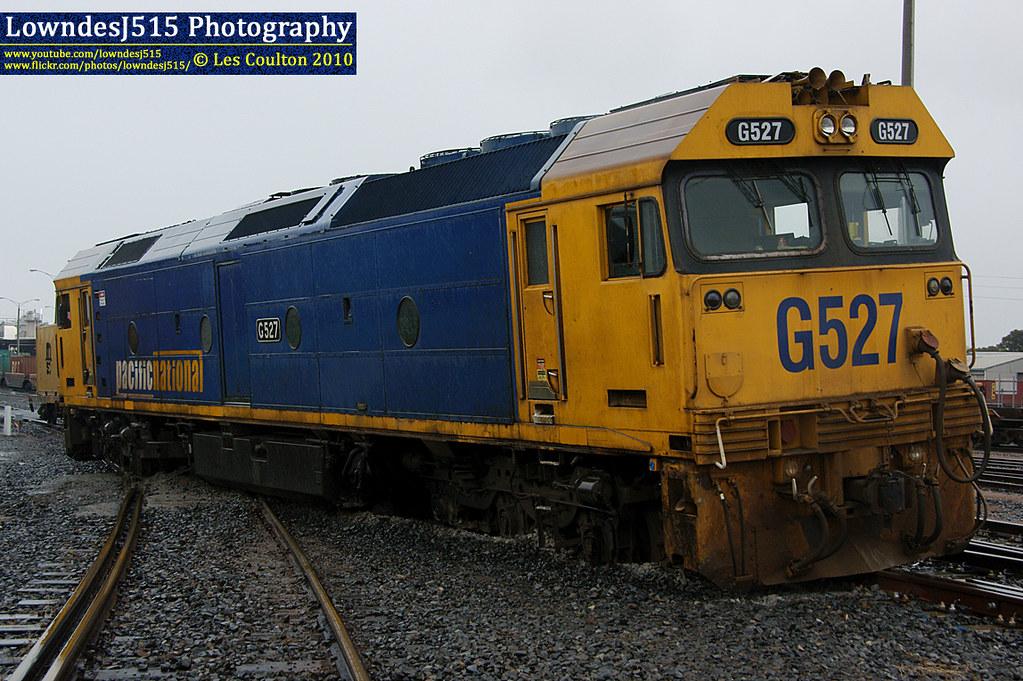G527 at Docklinks Rd by LowndesJ515