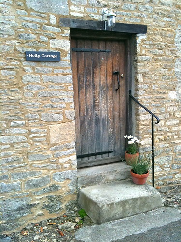 Holly Cottage doorway in Minster Lovell Village | by Tip Tours