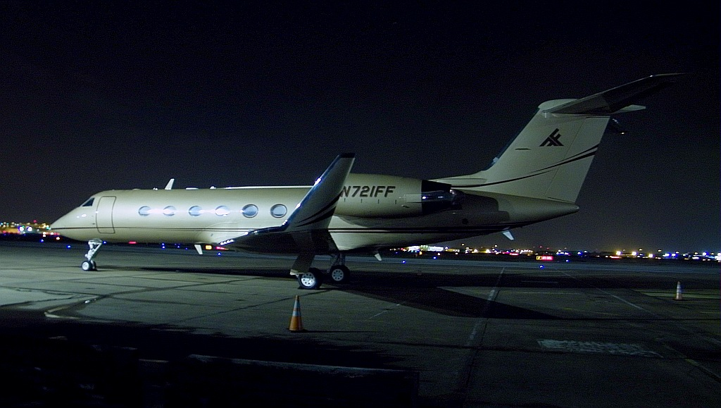 Gulfstream on Ramp N721FF 003 detail | Tough hand held night… | Flickr