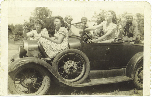 Women and Children in Car (August 12, 1941) | by cometstarmoon