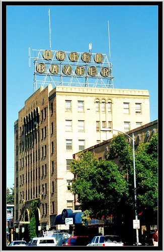 county street old travel art sign architecture vintage hotel see site montana bozeman downtown neon mt main style landmark tourist historic architect fred scaffold register must deco registry attraction archtecture 1930 gallatin the willson nrhp historicial onasill