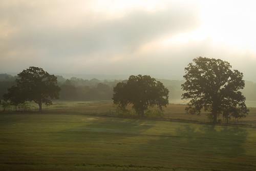 ranch sunrise dawn texas troup crepuscularshadows ©ianaberle fisherhilltopranch