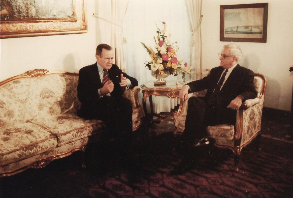 US President George Bush & Maltese Prime Minister Eddie Fe ...
