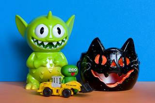 Uglyworld #836 - Halloween Cat Or Toy Digger (292-365) | by www.bazpics.com
