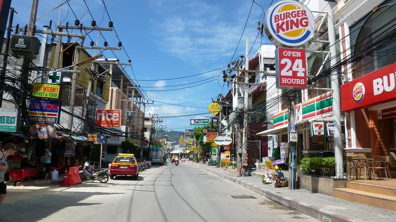 Koh samui chaweng beach road チャウエンビーチロード