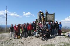 012. Il gruppo Montikids del CAI Gorizia in vetta al monte Lanaro, 544 m.