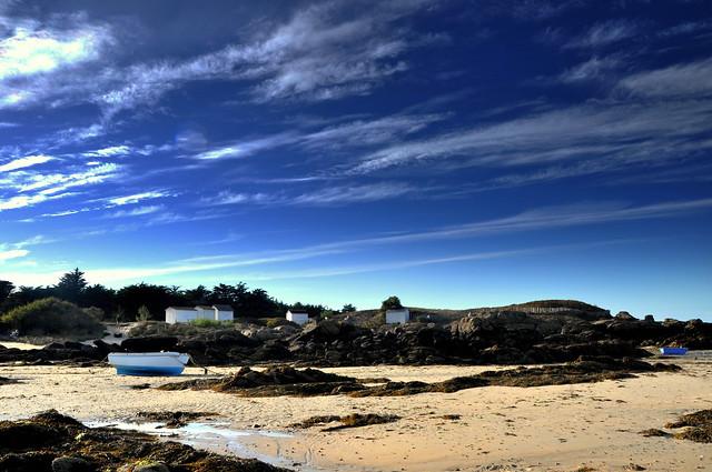l ile d'Yeu la plage les bateaux et les petites maisons