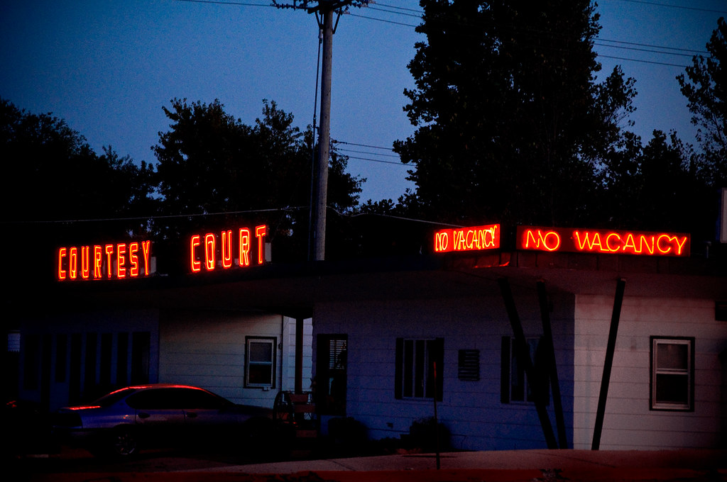 Courtesy Court Motel - Lincoln Highway