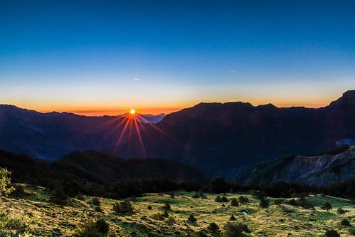 mountain sunrise landscape dawn 合歡山 nantou hehuan 日出 晨 色溫 合歡尖山