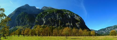 autumn autostitch panorama alps tree austria tirol österreich maple herbst autumncolors pasture alm alpen plain alp baum tyrol eng tal karwendel ahorn herbstfarben ahornboden claudemunich vomp ostalpen hinterriss gamsjoch bigmapleplain alpineparkkarwendel groserahornboden engalpe