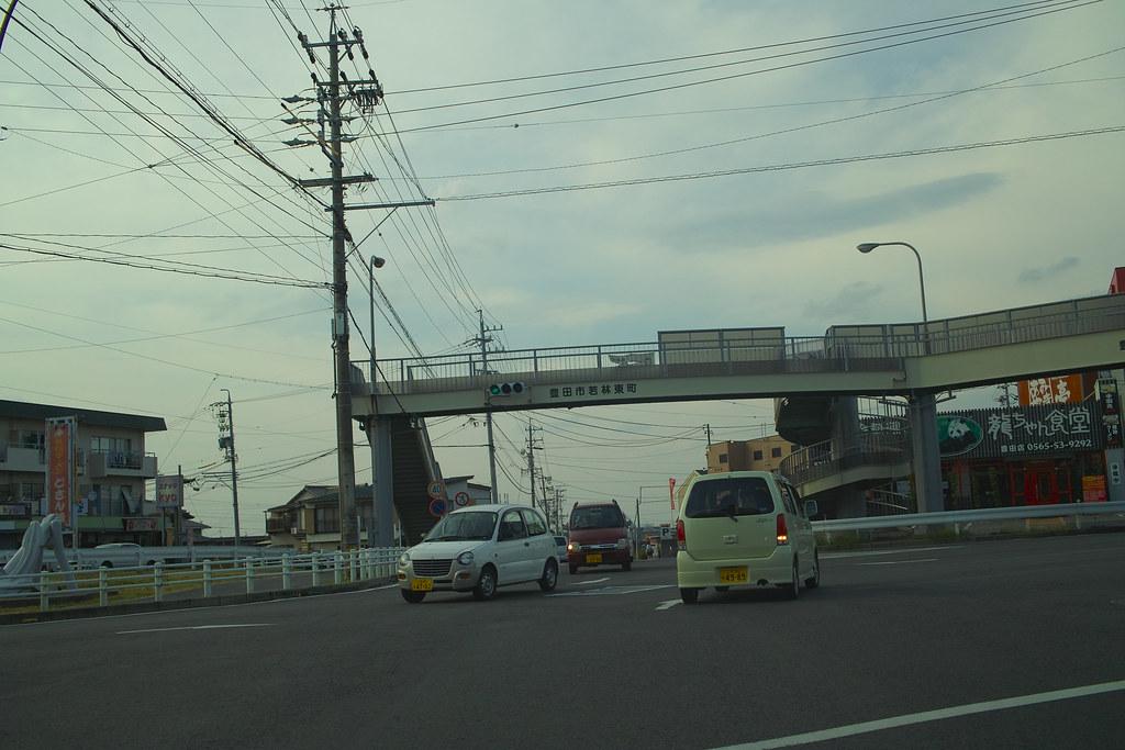 SDIM1159 | 豊田市若林東町新屋敷を右折。ここから若林東町棚田交差点 ...