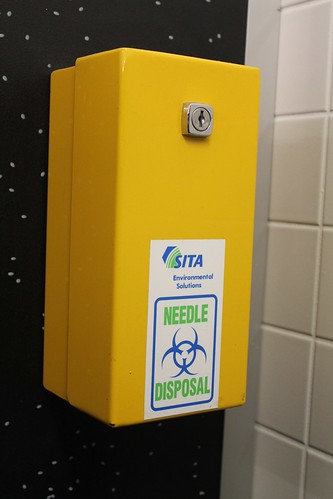 Needle disposal container | by 4nitsirk