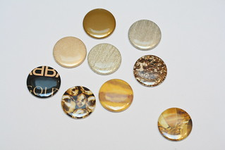 gold by name badges, photo Lin Cheung