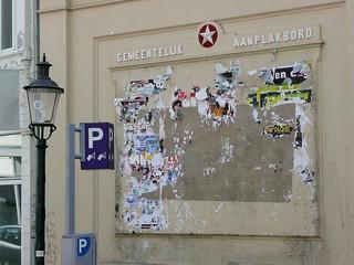 GEMEENTELIJK AANPLAKBORD | by Metro Centric