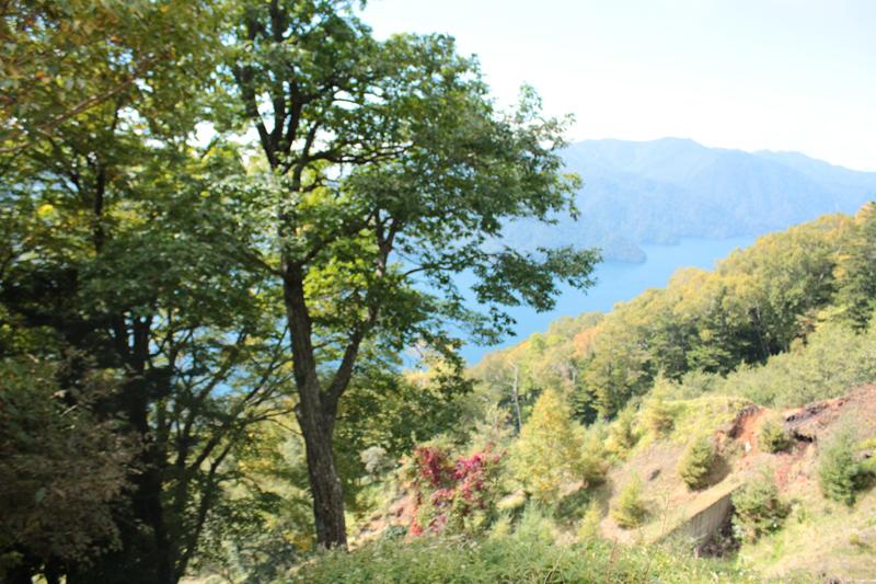 三合目の終りからの中禅寺湖