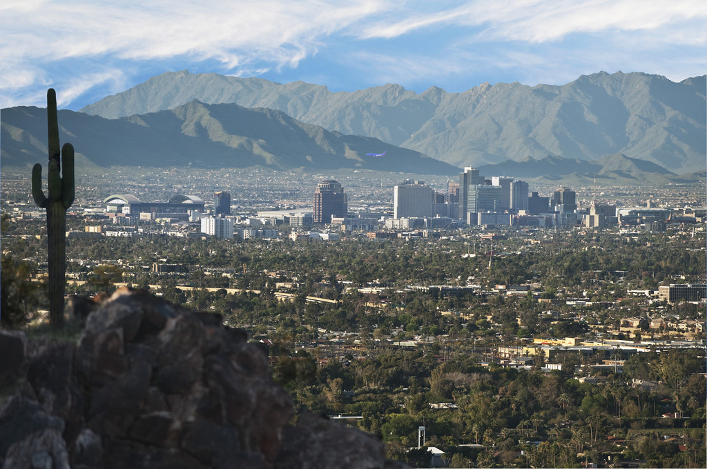 Phoenix skyline Piestewa Peak | The view of Phoenix's downto