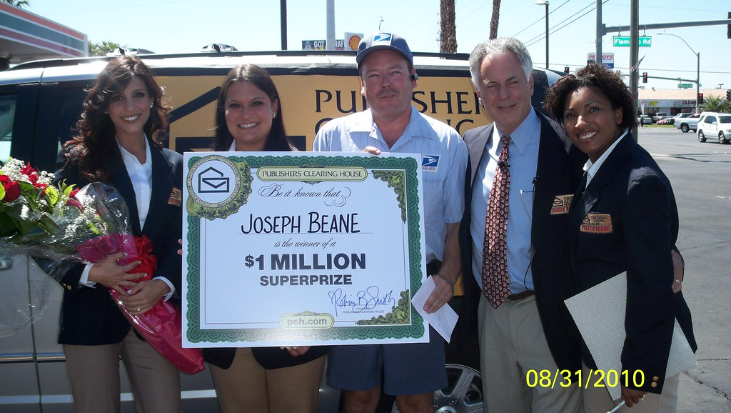 The PCH Prize Patrol and Joseph Beane | PCH winner and ambas