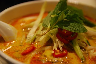 Old Town Lemak Laska - close-up - Old Town Kopitiam Mamak AUD9.90 | by avlxyz