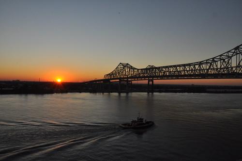 bridge sunrise river boat mississippiriver dsc1267