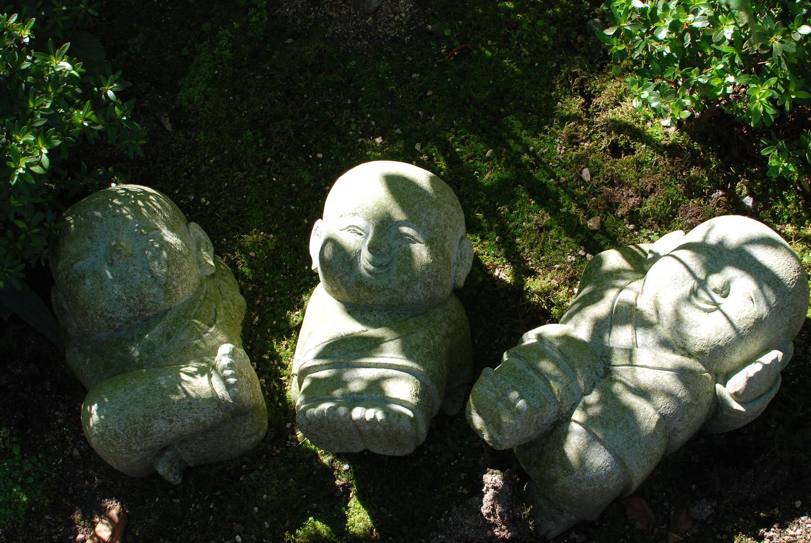Figuras de budas en el conjunto de templos Daisho-in, Miyajima