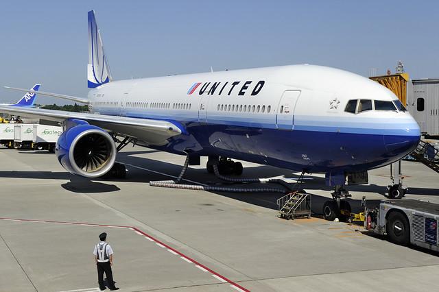 United Airlines Boeing 777-200ER (N787UA) DSC1580