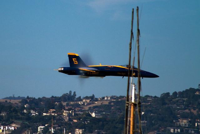 blue angels 2010: vapor shock collar during fast, low sneak pass