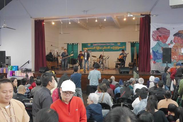 日, 2017-04-23 11:27 - ミャンマーフェス Thingyan festival at St. James Episcopal Church