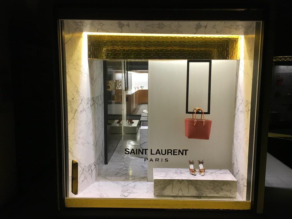 Pop up store concepts | Paris Renfroe | Flickr