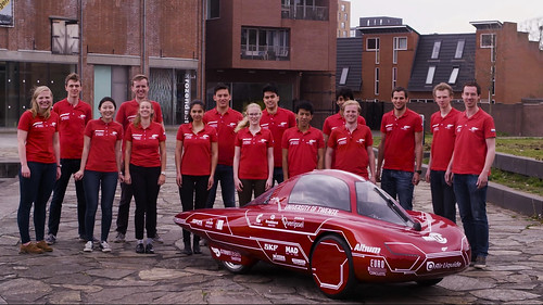 Team photo with H2Infinity | by Green Team Twente