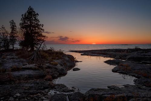 sunset purgatory purgatoryroad colorful colorfulsky shoreline shore lakehuron huron greatlakes purgatorycove cleansing sweetdreams contemplative meditative reflections lake