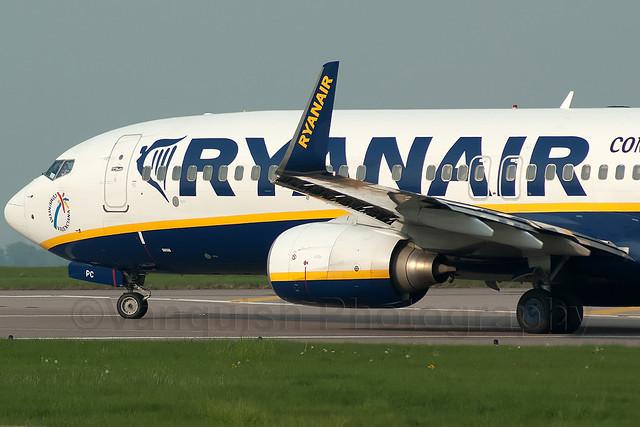 EI-DPC Communitat Valenciana Ryanair B737-800/WL Old Colours East Midlands Airport Archive