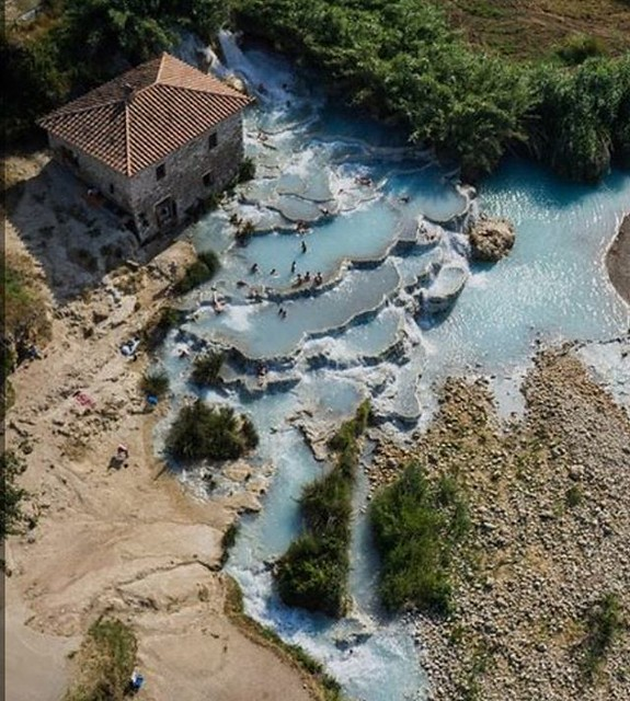 Saturnia natural thermal Pool! 😍 #borghetto #saturnia #thermals #italy #like #follow #discover #travel #nature #enjoy #landscape #drone 🔝
