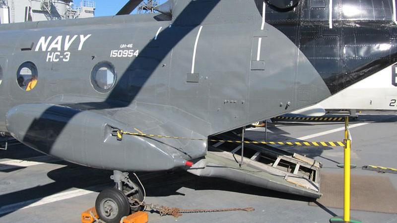 Boeing CH-46 Seaknight 5