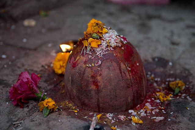 NPL - Shiva Linga - Katmandu