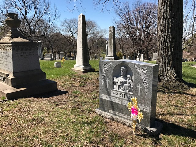 日, 2017-04-09 12:31 - Green-Wood Cemetery