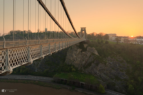 the clifton suspension bridge spanning picturesque avon gorge is symbol city bristol for almost 150 years this grade i listed structure has attracted visitors from all over world its story began 1754 with dream wine merchant who left legacy build england uk nikon d5200 lightroom night landscape architecture outdoor skyline building infrastructure water dusk serene d610 colour color sky black background sunrise