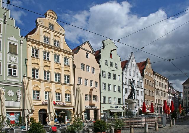 Augsburg: Moritzplatz und Merkurbrunnen