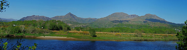 D16756-63,PAN  Cnicht and the Moelwyns.