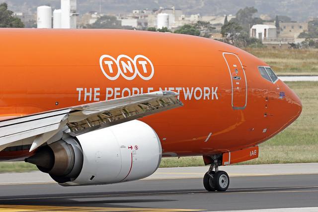 OE-IAE LMML 27-04-2018 TNT Airways Boeing 737-4Q8(SF) CN 25105