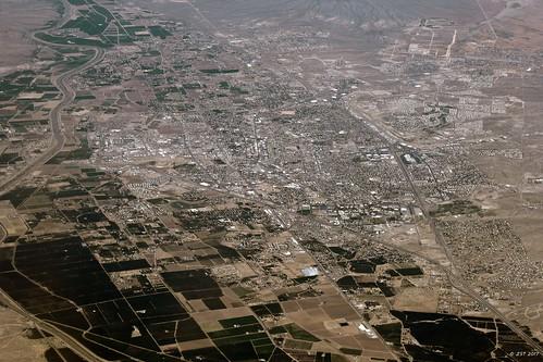 aerial aerialview city commercialflight flight houstontolosangeles iahtolax lascruces newmexico united unitedairlines vacation vacationdestination windowseat zeesstof