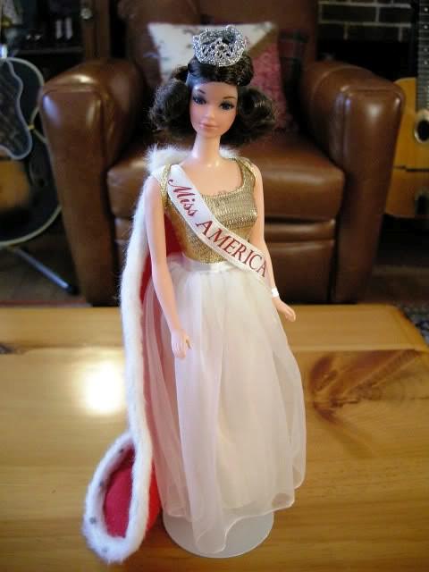 Lovely Kellogg's Walking Miss America