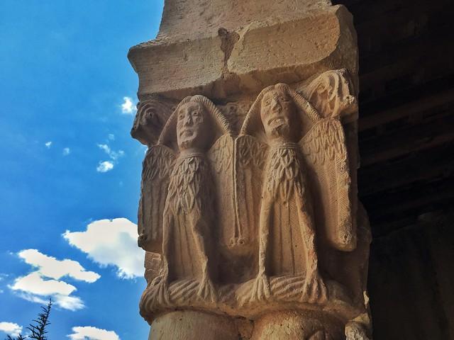 Capiteles historiados románicos en la iglesia de Nuestra Señora de las Vegas en Requijada (Segovia)